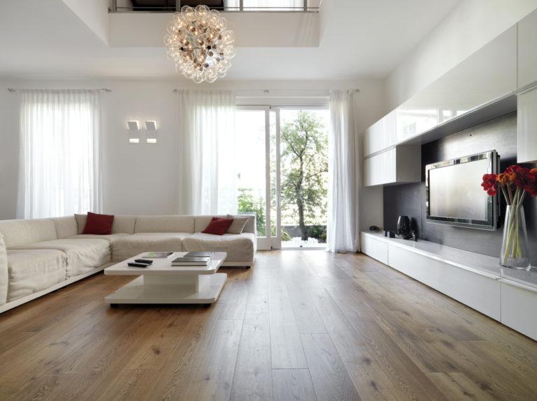 modern-living-room-with-wood-floor